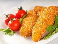 Лесни хрупкави панирани пилешки жулиени от филе (гърди) със сусам